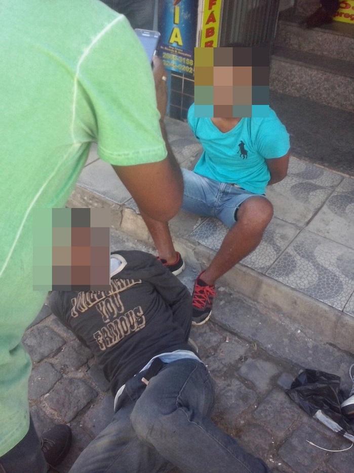 Tentativa de assalto no Centro de Queimados quase vira linchamento e um homem é preso
