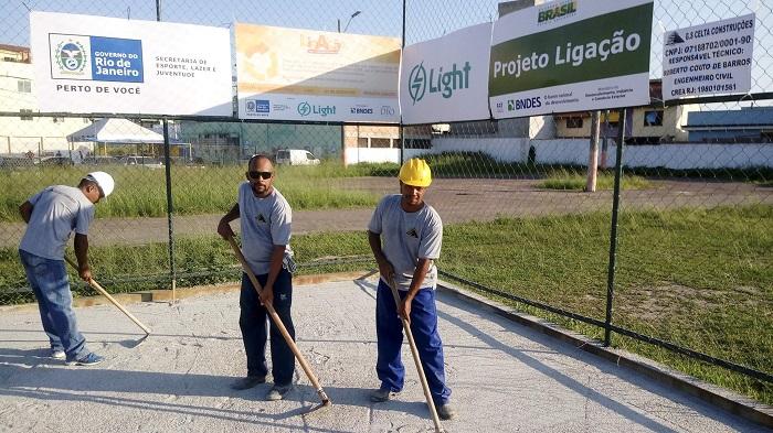 Começaram as obras de recuperação do campo de grama sintética da Vila Olímpica