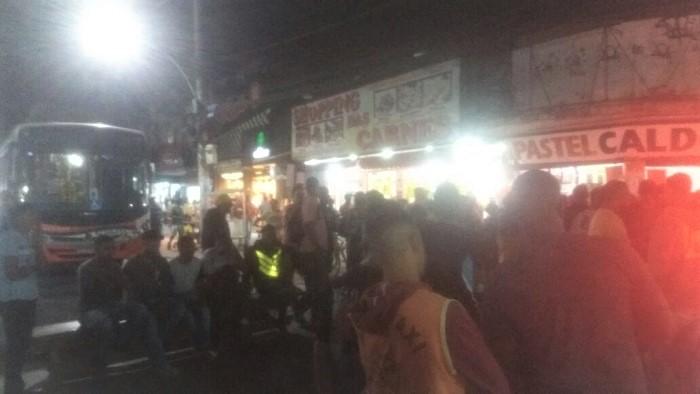 Mototaxistas em situação irregular fazem protesto contra repressão da Prefeitura