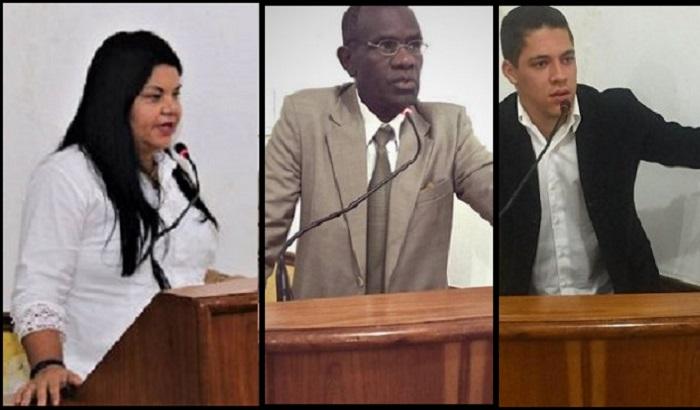 Câmara muda horário das sessões para 18 horas, aprova moção de aplausos para seus próprios membros e Vilela veta lei do Vereador Elerson