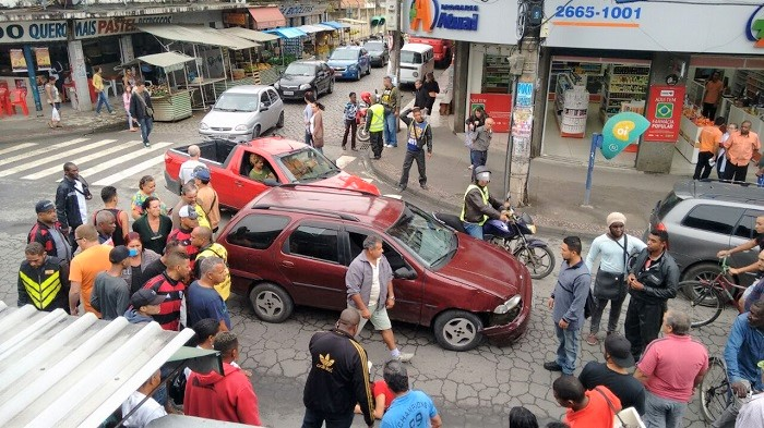 Condutor da moto envolvida em acidente na manhã de ontem, quarta-feira, 21/06, diz que não fugiu do local