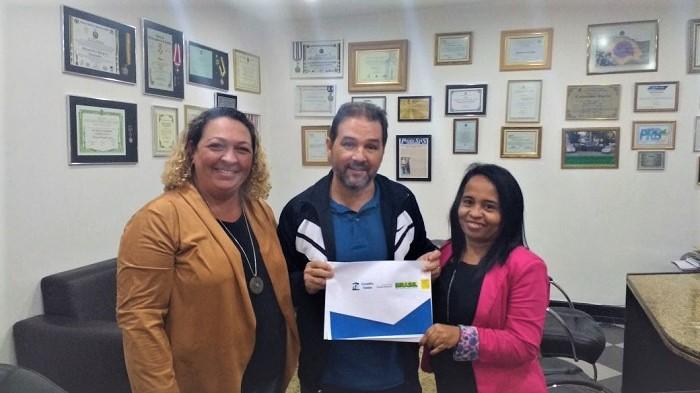 Conselheiras do CMDCA recorrem a senador do PRB por recursos para construção da sede do Conselho Tutelar em Queimados