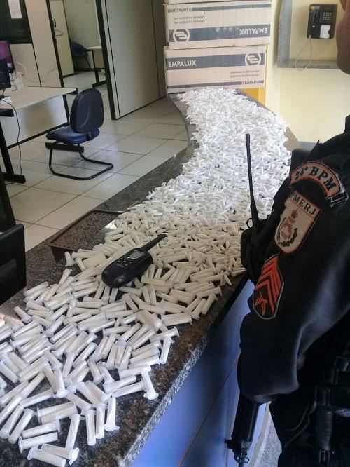 Preso gerente do pó do Morro dos 40 em Japeri com 2.784 pinos de cocaína