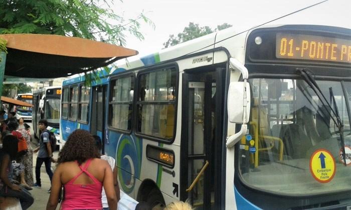 Depois de três editais e três adiamentos, Prefeitura de Queimados marca para 13/12 a licitação das linhas de ônibus municipais