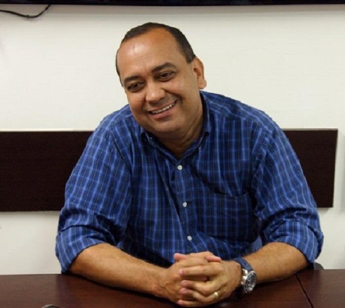 Max Lemos se despede nesta segunda do governo municipal de Queimados para disputar uma cadeira na Assembléia Legislativa