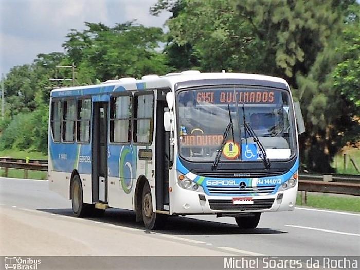 Ônibus do Distrito Industrial assaltado na Dutra