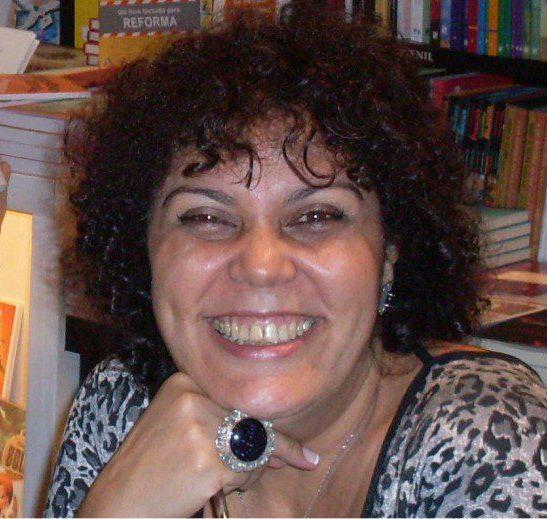 A Escola Municipal Perobelli em Queimados recebeu a escritora Sonia Rosa dia 16/04 para ler suas histórias para os alunos