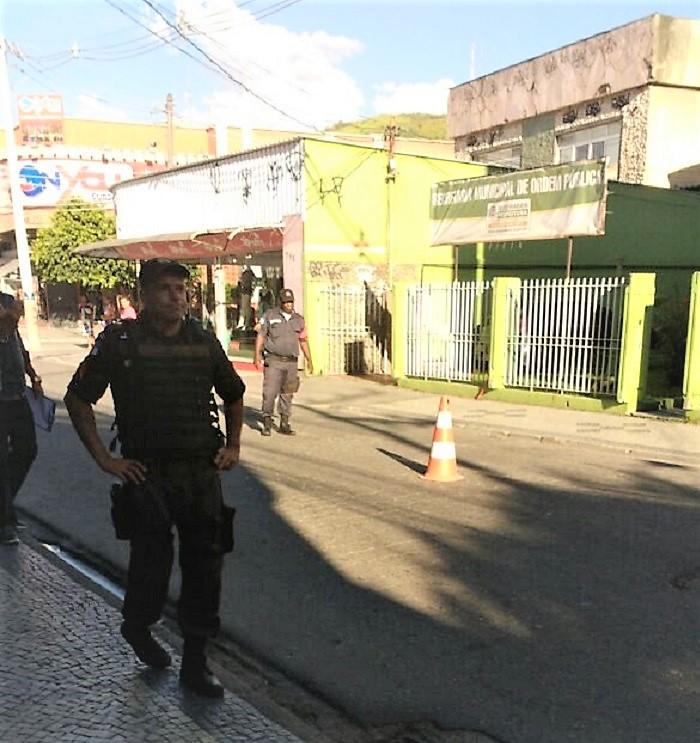 Blitz do Proeis da Secretaria Municipal de Segurança e Ordem Pública prende suspeito e recupera carro roubado