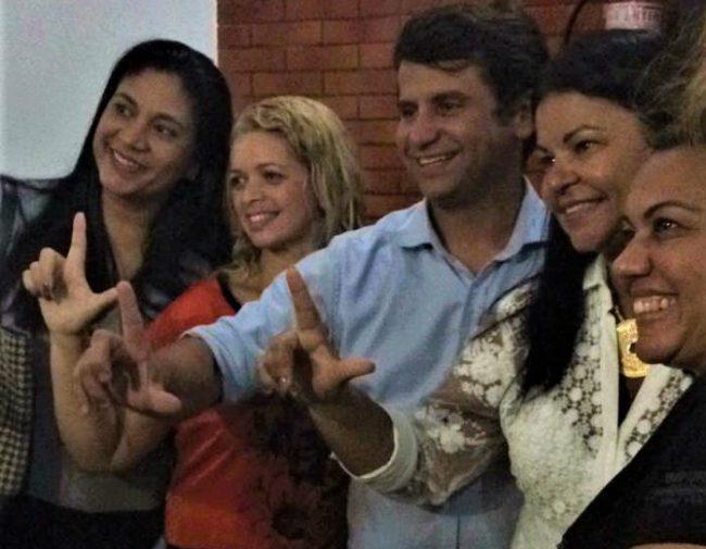 Dra. Fátima anuncia desistência de candidatura às eleições de 2018 e declara apoio ao ex-Secretário Estadual de saúde, Luizinho, pré-candidato a Deputado federal.