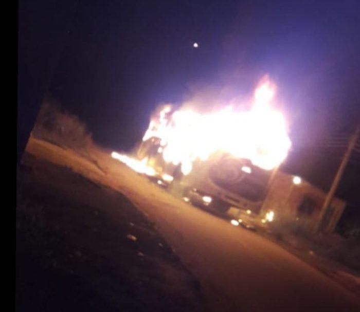 Engenheiro Pedreira passa por noite de terror nessa terça-feira (21/05), membros da Facção ADA ateiam fogo em ônibus da Gardel