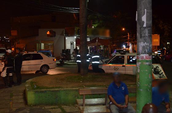 Duas vítimas feridas em tentativa de homicídio em frente a Boate Master nesta madrugada, 21/06.