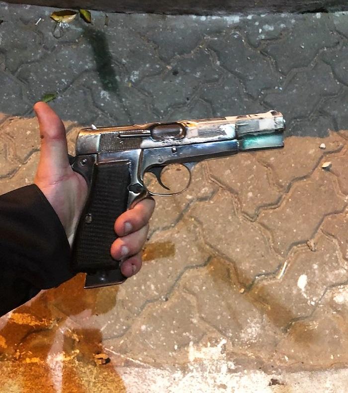 Na madrugada de hoje, 27/06, criminoso morre em troca de tiros com a polícia no bairro São Simão gente
