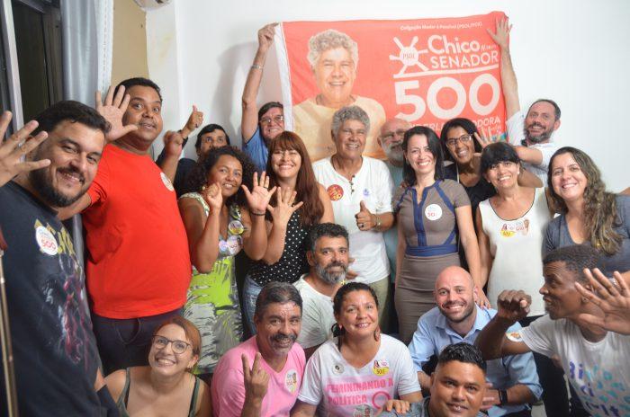 Chico Alencar em Queimados: chuva inviabilizou comício mas não abalou o entusiasmo da militância