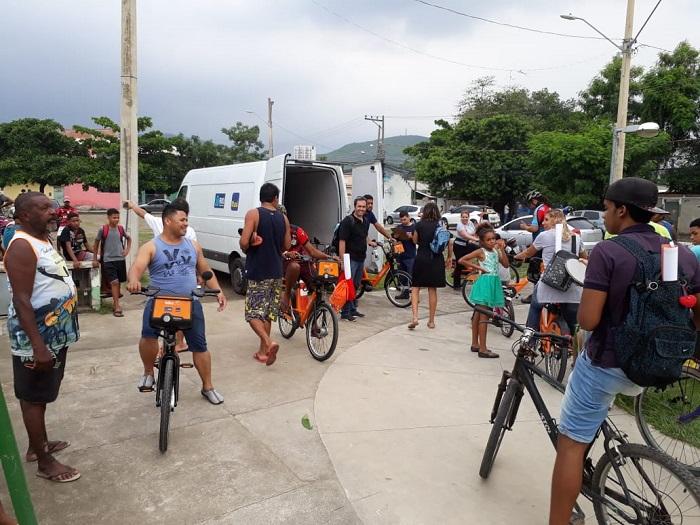 'Bike Negócios' empolga pequenos empreendedores queimadenses, que encerram o curso com passeio ciclístico nas 'laranjinhas do Itaú'
