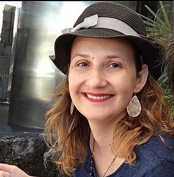 O 'Q da Educação' entrevista a professora Lívia Magalhães, historiadora e pesquisadora da UFF