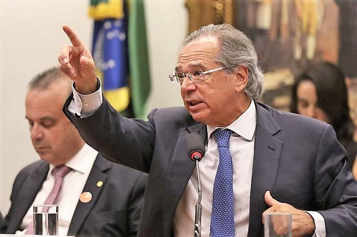 Ministro de Bolsonaro elogia Lula e o Bolsa Família