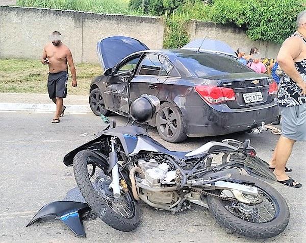 Mais um acidente próximo ao centro de Queimados na manhã deste sábado
