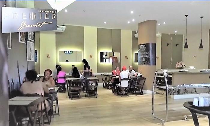 Restaurante do Hotel Premier Flat em Queimados tem agora self service sem balança a preço popular