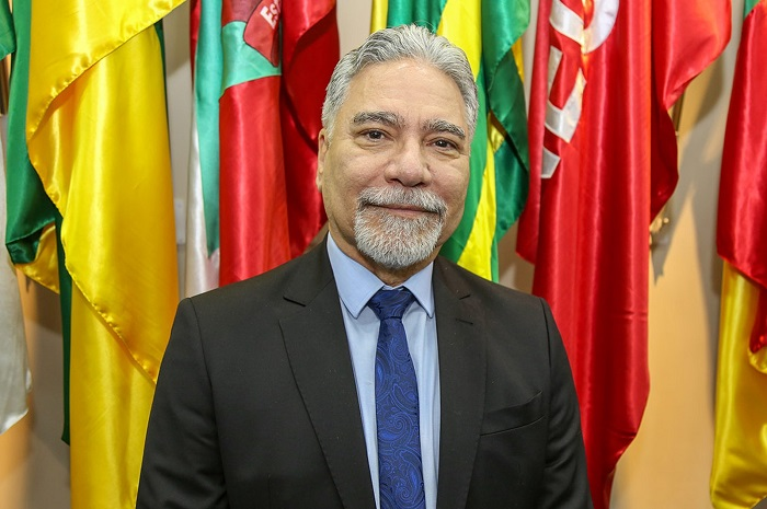 Bolsonaro exonera general da Secretaria Nacional do Esporte possivelmente para acomodar aliado de Sarney