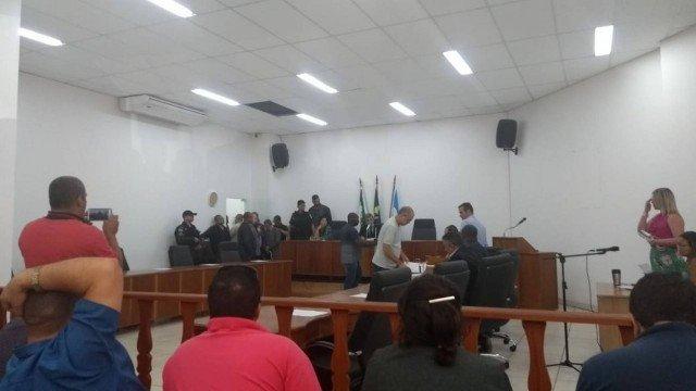 Presidência da Câmara de Queimados vira caso de polícia