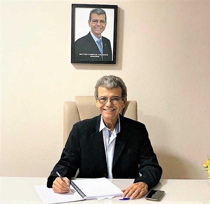 Milton Campos formaliza sua reassunção ao cargo de presidente da Câmara Municipal de Queimados e renomeia chefe de gabinete exonerada por Toninho do Vira Virou