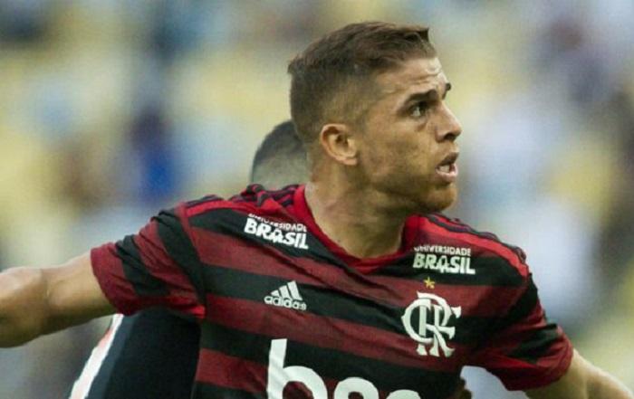 Flamengo anuncia reintegração de Cuéllar à equipe