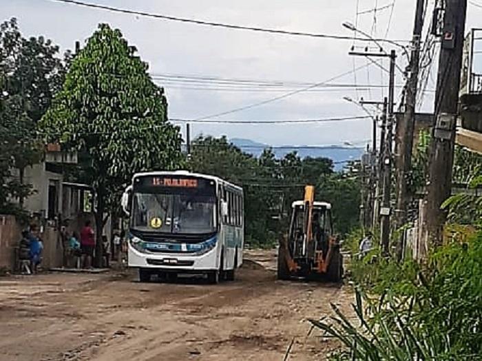 Prefeitura recupera ruas e ônibus voltam a circular no Parque Olimpo