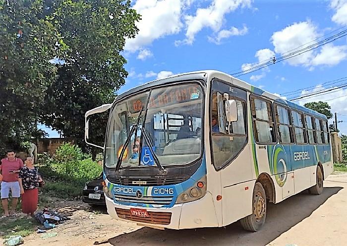 Gardel deixa moradores do Pau da Forca sem ônibus