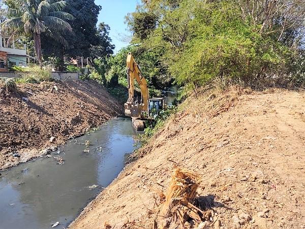 Vitória dos moradores da Vila Pacaembu. Diretor do INEA promete dragar o Rio respeitando as árvores plantadas pela comunidade