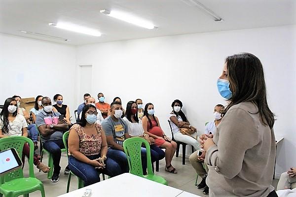 """Prefeita Fernanda Ontiveros visita Posto de Saúde do bairro Mucajá e anuncia """"reestruturação pesada na saúde de Japeri"""""""