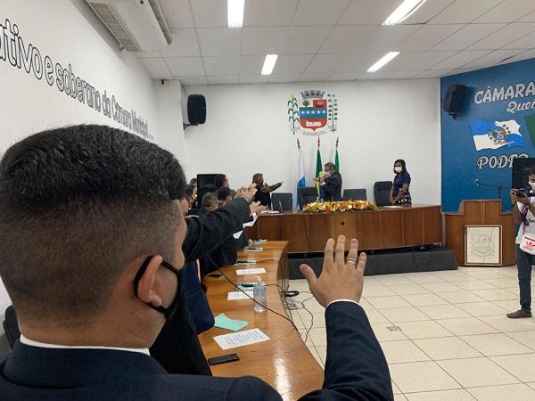 Câmara de Queimados faz Sessão Extraordinária nesta quinta, 14/01, para revisar salários e emendar Lei Orgânica