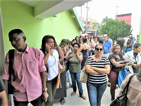 Professores aprovados para o Concurso Público de Queimados de 2019  querem convocação imediata