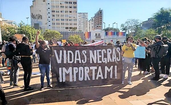 Reflexões sobre Março, mês mundial de combate à discriminação racial (por Ozias Inocêncio)
