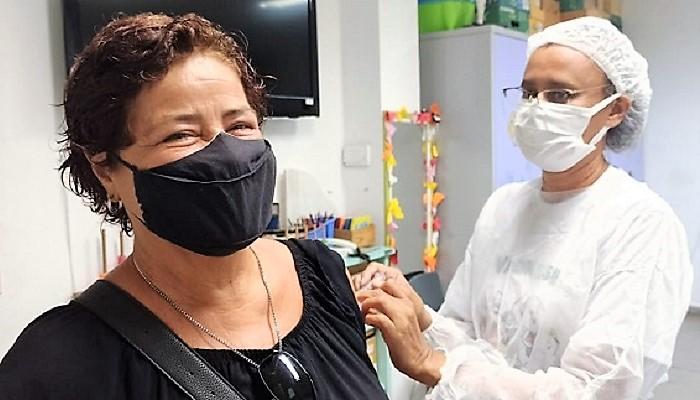 Alteração no calendário de vacinação em Queimados contempla pessoas com comorbidades com 56 anos ou mais