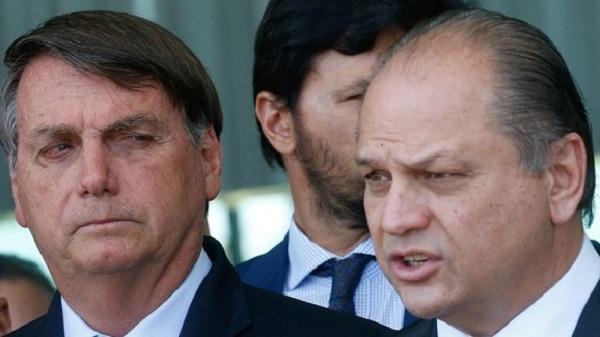 'Negocionismo' faz Bolsonaro refém do Centrão