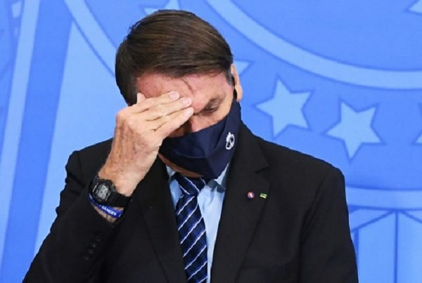 Bolsonaro derrete em pleno inverno