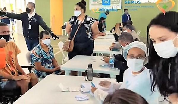 Queimados aplicou mais de 4.000 vacinas contra a Covid num só dia e promete vacinar toda a população adulta até 15 de agosto. Olho no calendário!