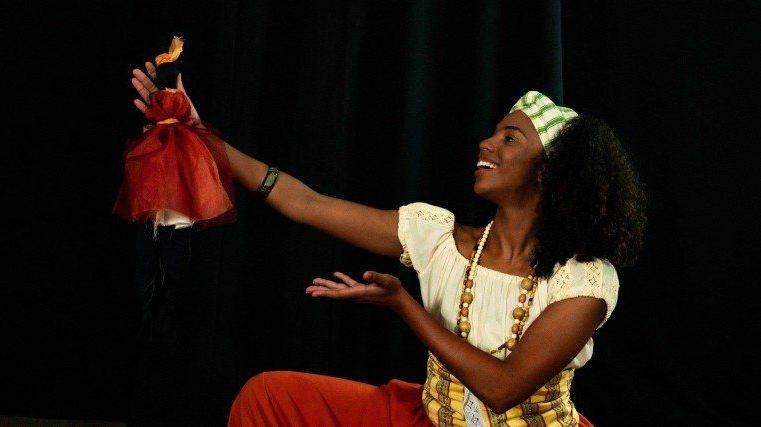 Atriz iguaçuana estreia peça no Rio