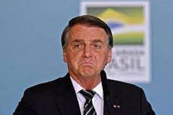 """Bolsonaro recua e diz que """"pessoas que exercem o poder não têm o direito de esticar a corda"""""""
