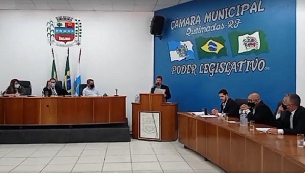 Vereadores de Queimados diminuem número de cadeiras na Câmara