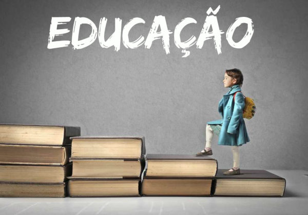 Grupo abre 50 vagas para professores