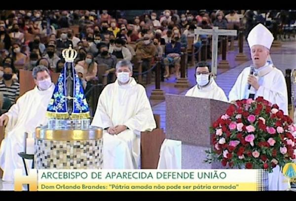 """Arcebispo de Aparecida manda recado a Bolsonaro: """"Pátria amada não pode ser pátria armada"""""""