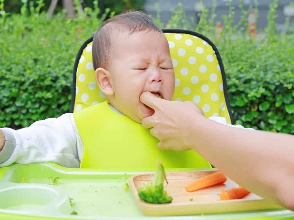 Pais devem ser treinados em primeiros socorros de recém-nascidos